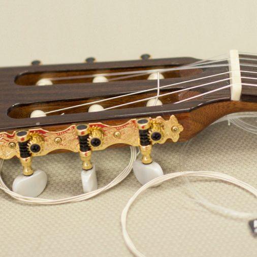 Tutorial para aprender cómo cambiar las cuerdas de una guitarra clásica
