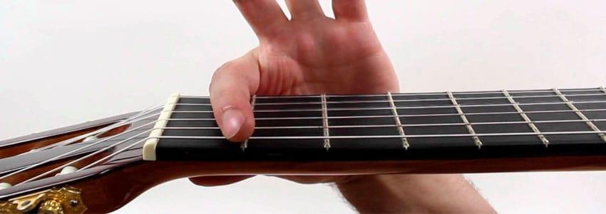 Cómo poner la cejilla en la guitarra para tocar el acorde FA (F)