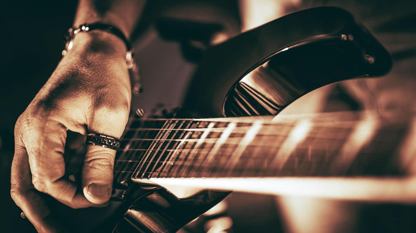 Cómo tocar Rock Duro en guitarra