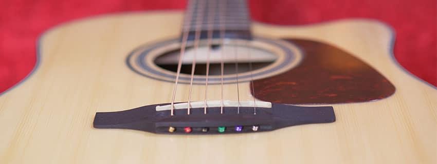 Guitarra electroacústica Takamine GD15CE-NAT