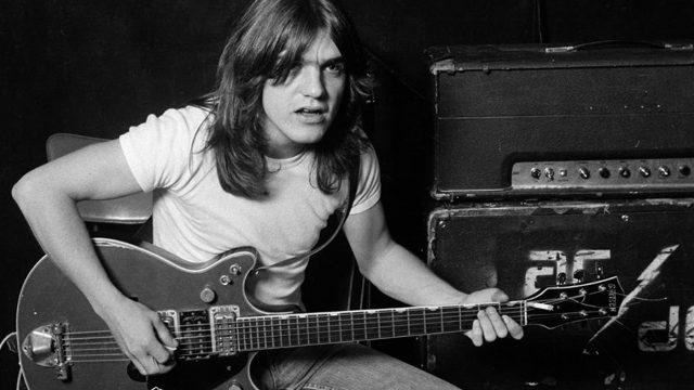 Muere Malcolm Young, guitarrista y cofundador de AC/DC a los 64 años
