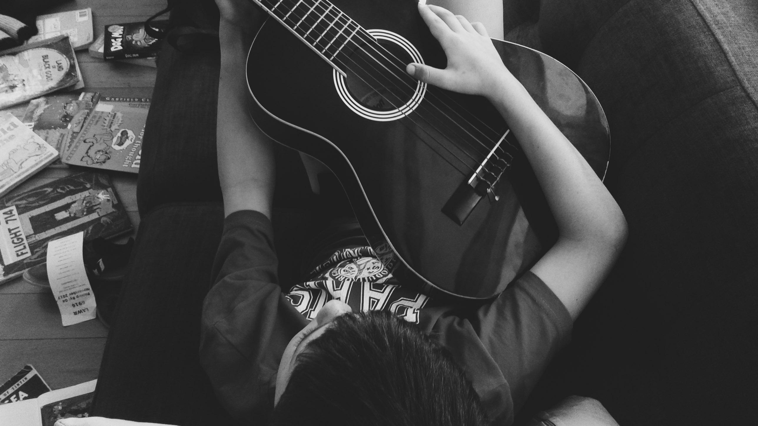 Breaking the girl tablaturas para guitarra