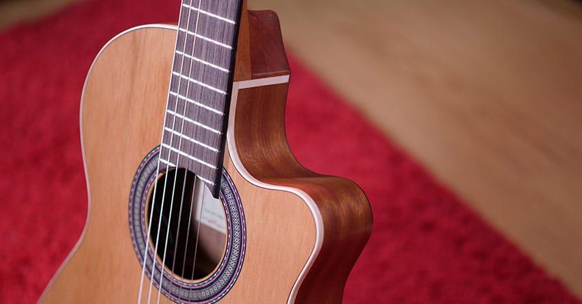 review alhambra z nature ct ez, la mejor guitarra electroacústica para principiantes